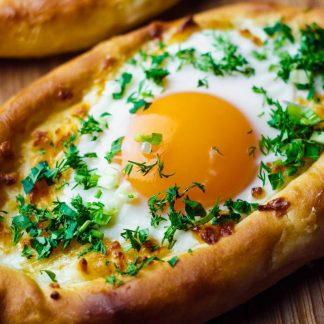 Chaczapuri z jajkiem