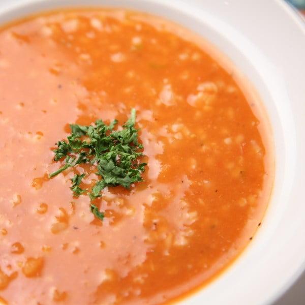 Domowa pomidorowa z ryżem